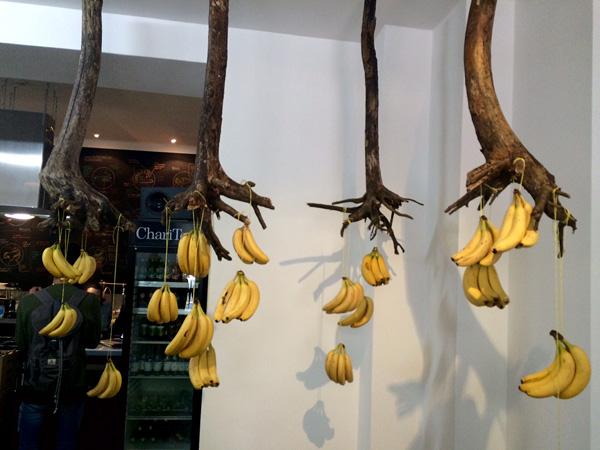 Bananeninstallation von Taina Guedes,  (©AS)