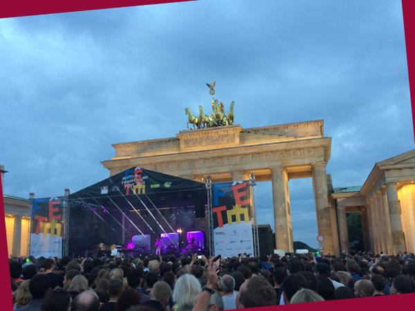AIR spielten am Brandenburger Tor (Anne Schüchner)