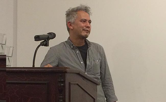 André Kubiczek steht Rede und Antwort (©Anne Schüchner)