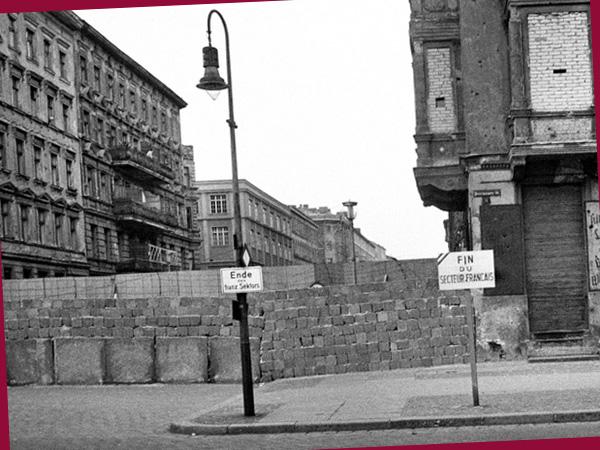 Ecke Wolliner/Bernauer Straße, 1962 (©Bernard Larsson)