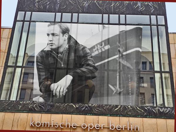 Collage Komische Oper mit Marlon Brando (Foto: Anne Schüchner)