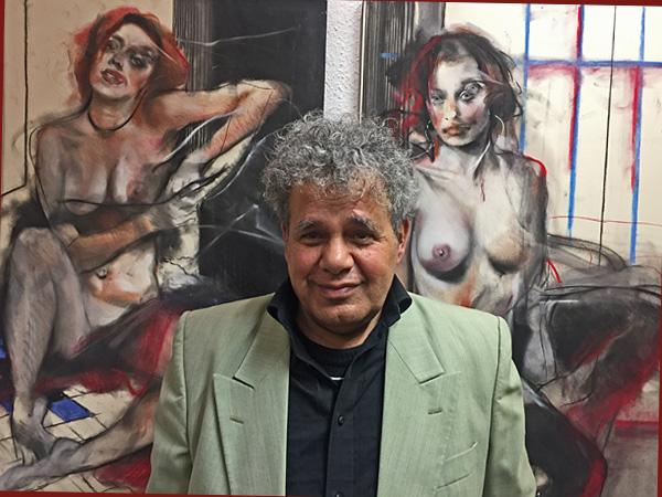 Junis Al Azzawy vor einer seiner Bilder (Foto: Anne Schüchner)