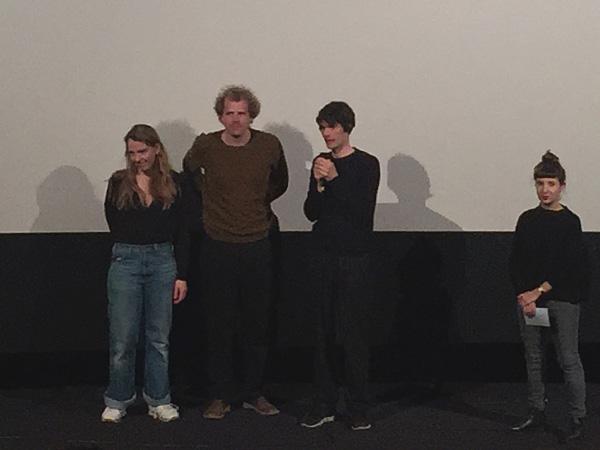 Regisseur Anatol Schuster, Kameramann Adrian Campean, Enkelin Elli Kara Schröder, vrnl (Foto Anne Schüchner)