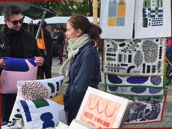 Stand der Illustratorin Llina (Foto: Anne Schüchner)