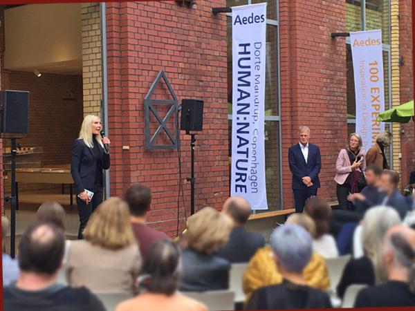 Die dänische Architektin Dorte Mandrup-Poulsen bei der Eröffnung (Foto: Anne Schüchner)