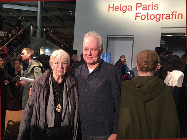 Helga Paris mit Begleitung (Foto: Anne Schüchner)