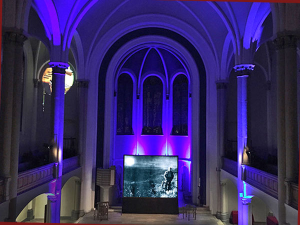 Stummfilmkonzert in der Zwölf-Apostel-Kirche (© Stephan Graf von Bothmer)