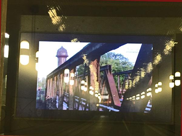 "Filmstill ""Ostkreuz"" im U-Bahnhof Märkische Museum (© Laura Geiger/Tom Kretschmer))"